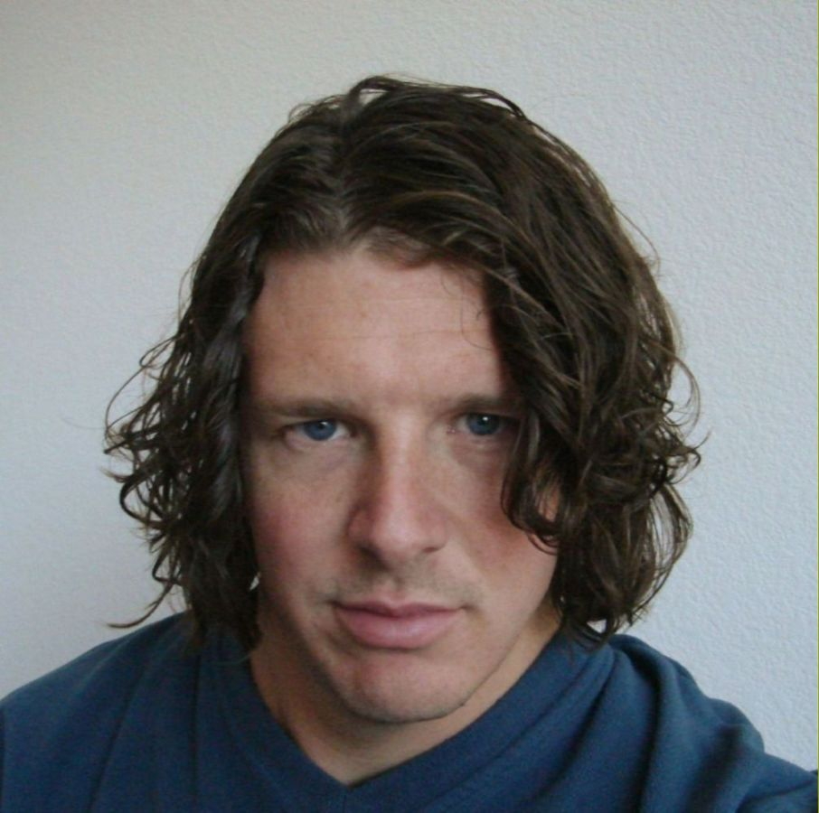 the gallery for gt long curly hair men ponytail